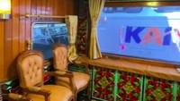 <p>Dalam keterangan videonya, satu gerbong tersebut bisa disewakan untuk 19 orang. Satu gerbong tersebut dibanderol Rp25 juta untuk sekali perjalanan Bandung-Yogyakarta. (Foto: TikTok @kevinbenedico)</p>
