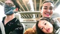 <p>Atiqah Hasiholan dan Rio Dewanto kini sedang menikmati perannya sebagai orang tua dari putri cantik mereka, Salma Jihane Putri Dewanto. (Foto: Instagram @atiqahhasiholan)</p>
