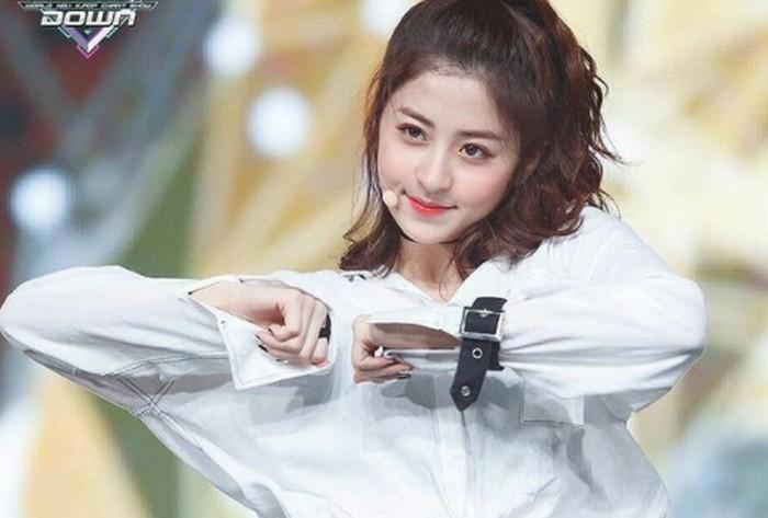 Heo Yun Jin mempunyai keahlian bernyanyi. Ia bahkan menjadi salah satu vokalis terbaik dari seluruh peserta Produce48.(Foto: Instagram.com/yunjinsite)