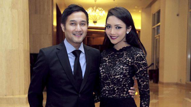 Aldi Bragi dan Ririn Dwi Ariyanti absen hadir di sidang perdanan gugatan cerai yang dilayankan Aldi pada Agustus lalu.