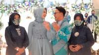 <p>Danang DA dan Hemas Nura terlihat bahagia ketika resmi bertunangan. Kita doakan semoga lancar persiapan pernikahannya ya! (Foto: Instagram The Caramelz via @danang_official91)</p>
