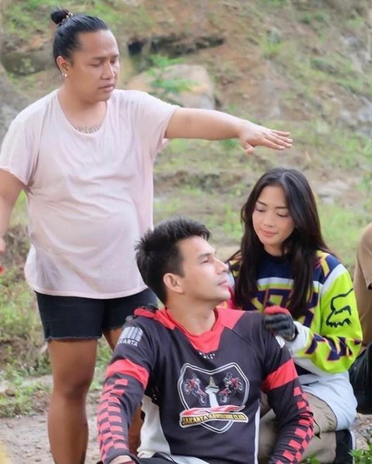 Ini Foto-foto 'Mesra' Ijonk dan Ririn Dwi Ariyanti