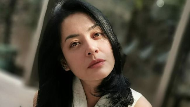 Pengadilan Agama Jakarta Selatan memutuskan menolak gugatan cerai yang dilayangkan Lulu Tobing terhadap suaminya, Bani Maulana Mulia.
