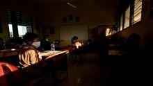 Guru SMP di Sulsel Ceramah Berjam-jam, Siswa Sampai Pingsan