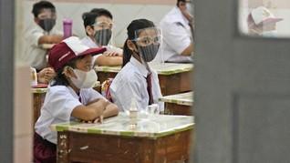 Jokowi Soroti Prokes di Sekolah: Mengelola Anak SD Tak Mudah