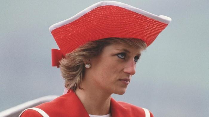 Intip Koleksi Topi Unik dan Stylish Milik Putri Diana