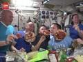 VIDEO: Ketika Astronaut Pesta Pizza di Luar Angkasa