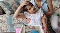 <p>Selain itu, Elif juga terlihat sebagai anak yang aktif dan ceria, lho. (Foto: Instagram @siti_perk)</p>