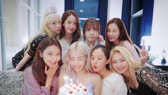 Girls' Generation Tampil Dengan Member Lengkap, Akan Comeback Tahun 2022?
