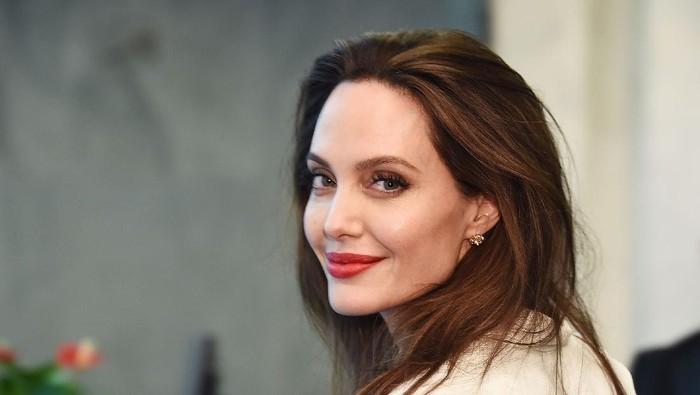 Putra Angelina Jolie Berhasil Masuk ke Universitas Terbaik di Korea Selatan