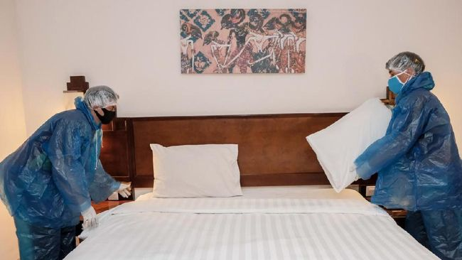 PHRI menolak kewajiban sertifikasi CHSE bagi industri pariwisata khususnya sektor hotel dan restoran.