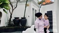 <p>Di beberapa kesempatan, Putri Anne gemar mengenakan busana yang senada dengan Ibrahim. Seperti ketika mengenakan outfit berwarna lilac yang kekinian. (Foto: Instagram @putriannesaloka)</p>