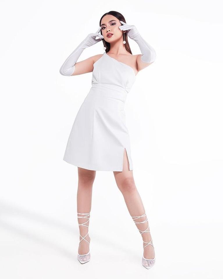 Lyodra Ginting masuk ke dalam 100 kandidat perempuan tercantik di dunia versi TC Candler. Yuk kita intip pesonanya!