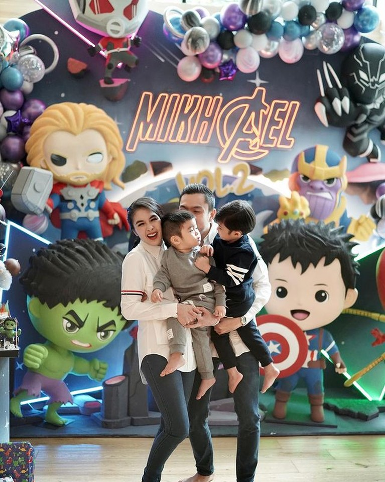 Mikhael Moeis putra bungsu Sandra Dewi dan Harvey Moeis berulang tahun yang ke 2. Yuk intip momen perayaannya!