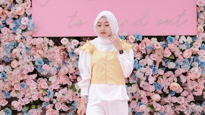 Yuk Ketahui Bahan Hijab yang Patut Kamu Pilih Agar Tetap Nyaman Seharian