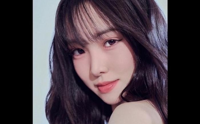 Setelah sebelumnya sempat beredar rumor kalau mantan vokalis utama G-FRIEND, Yuju, sedang diincar Konnect Entertainment, akhirnya pada Rabu, (1/9) lalu, ia secara resmi bergabung dengan agensi milik Kang Daniel tersebut, lho!/Foto: instagram.com/yuuzth