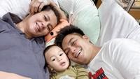 <p>Momen ketika Kiano dan Baim temani Paula yang dirawat di rumah sakit saat hamil 29 minggu. (Foto: Instagram @paula_verhoeven)</p>