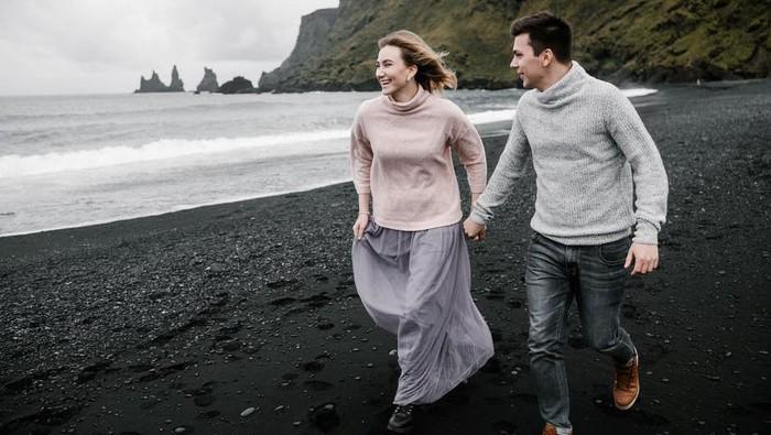 4 Alasan Kenapa Perempuan Butuh Kepastian dalam Hubungan, Kamu Setuju Nggak Nih?