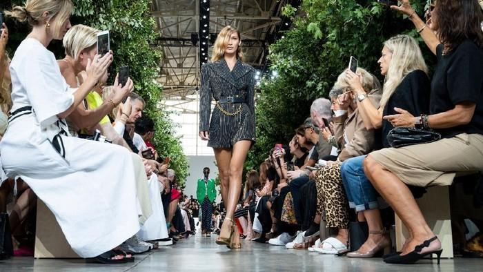 5 Fakta Menarik dari Sejarah New York Fashion Week, Sudah Ada Sejak Perang Dunia Ke-2!