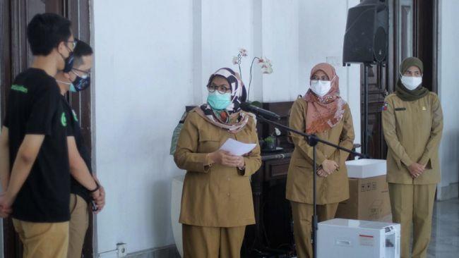 Grup Teknologi GoTo menyalurkan lebih dari 1.000 unit akses konsentrator oksigen ke berbagai fasilitas kesehatan di Indonesia demi penanganan Covid-19.