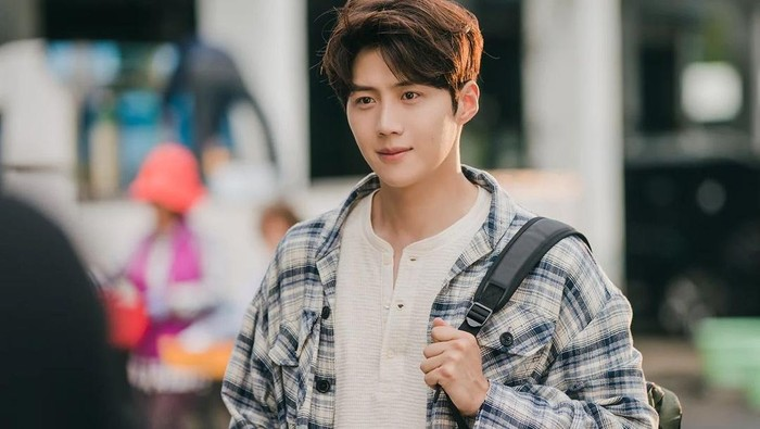 Setelah Hometown Cha Cha Cha, Kim Seon Ho Dikabarkan Akan Bergabung di Film Baru