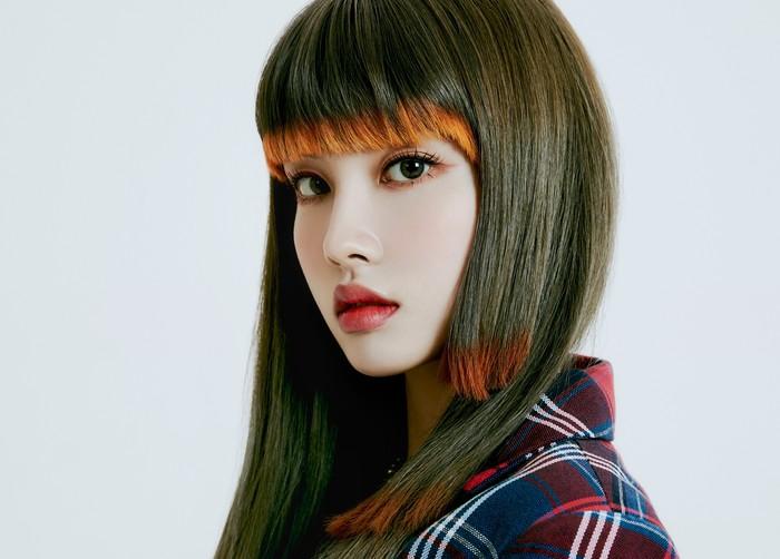 Setelah foto-foto teaser dan MV keluar, potret Yoon STAYC sempat menjadi bahan perbincangan hangat oleh netizen, karena model rambut barunya./Foto: twitter.com/STAYC_Official