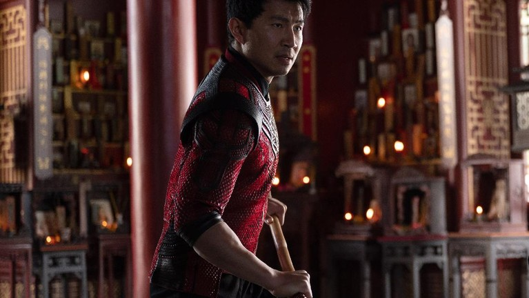 Shang-Chi (Simu Liu) in Marvel Studios' SHANG-CHI AND THE LEGEND OF THE TEN RINGS. Photo by Jasin Boland. ©Marvel Studios 2021. All Rights Reserved.
