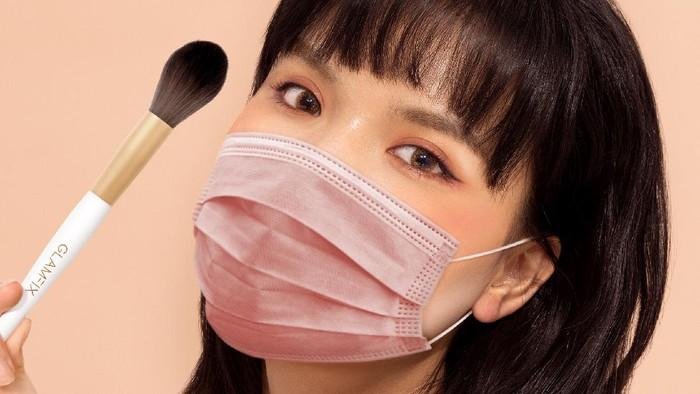 Makeup Tetap ON dan Glowing Walau Pakai Masker, Wajib Dong!