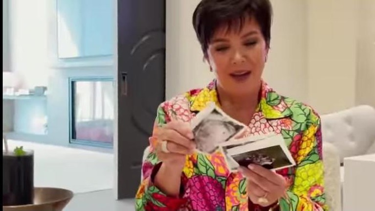 Kylie Jenner membagikan kabar bahagia atas kehamilan anak keduanya dengan Travis Scott. Yuk kita intip momennya!