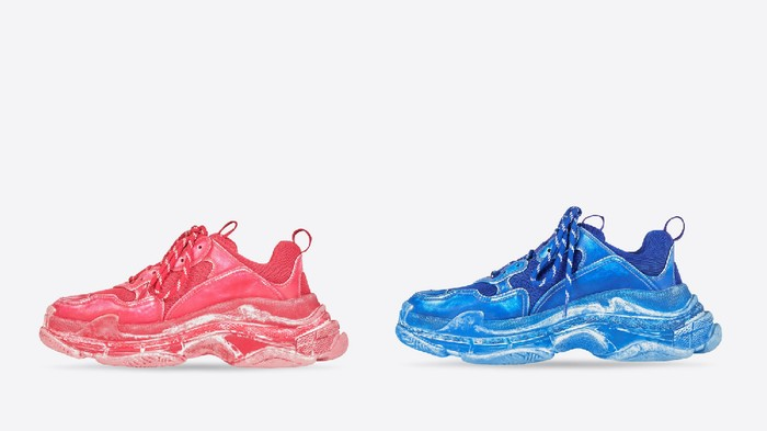 Balenciaga Rilis Versi Terbaru Sneakers Triple S! Ini Komentar Lucu dari Diet Prada