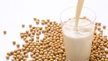 Benarkah Susu Kedelai Bahaya untuk Wanita Menopause?