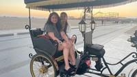 <p>Melalui Insta Story-nya, Marshanda pernah membeberkan alasan dirinya harus ke LA untuk terapi. Katanya, terapi yang ia butuhkan hanya ada di sana dan memang sengaja diambil karena saat ini ia mencoba untuk menurun dosis obat. (Foto: Instagram @marshanda99)</p>