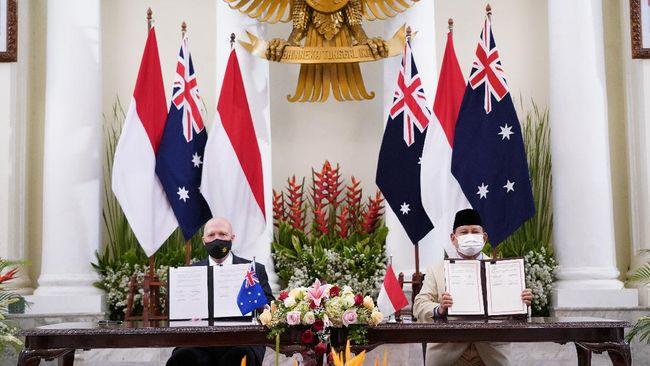 Menhan RI, Prabowo Subianto, mengatakan bahwa Australia sudah mengirim bantuan berupa 15 kendaraan lapis baja ke Indonesia sebagai bentuk kerja sama pertahanan.