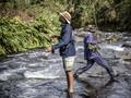 FOTO: Para 'Mancing Mania' di Sungai Kenya