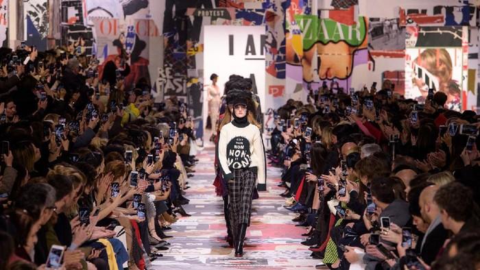 Ini Perbedaan Fashion Week di New York, London, Milan dan Paris!