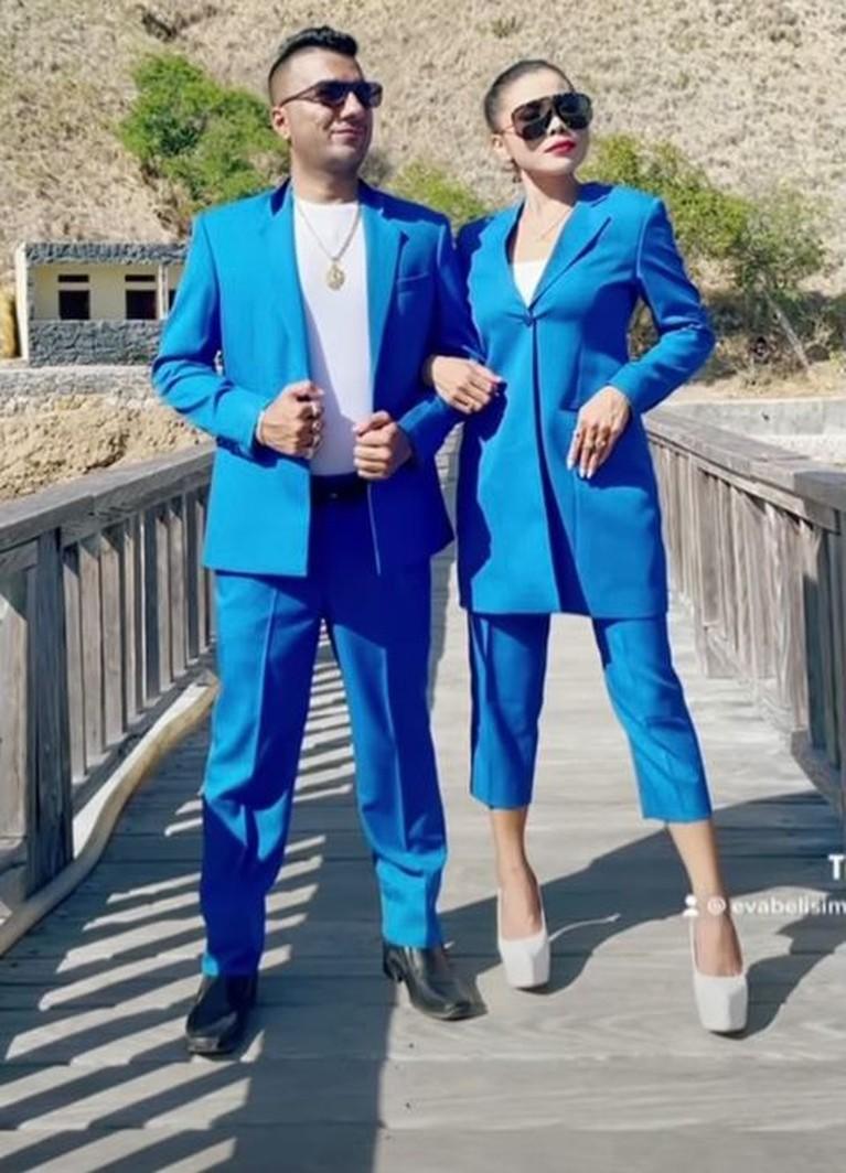 Setelah dilamar oleh di helikopter, Eva Belisima dan kekasih bulenya jalani pemotretan prewedding. Yuk intip!