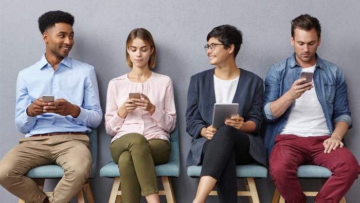 4 Tipikal Orang yang Bisa Kamu Temukan di Grup WhatsApp, Mulai Silent Reader hingga Fast Respon
