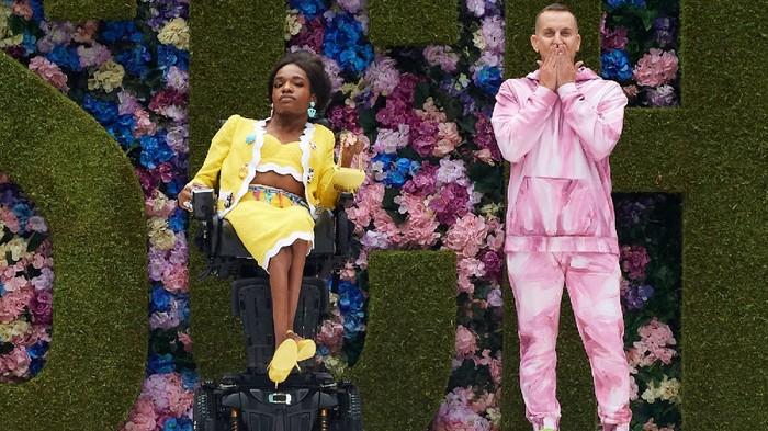 Model Transgender Penyandang Disabilitas Tampil di Panggung New York Fashion Week