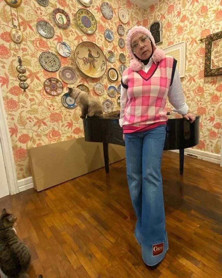 Melly Goeslaw telah berhasil melakukan diet dan menurunkan berat badannya sebanyak 30kg. Yuk kita lihat transformasinya!