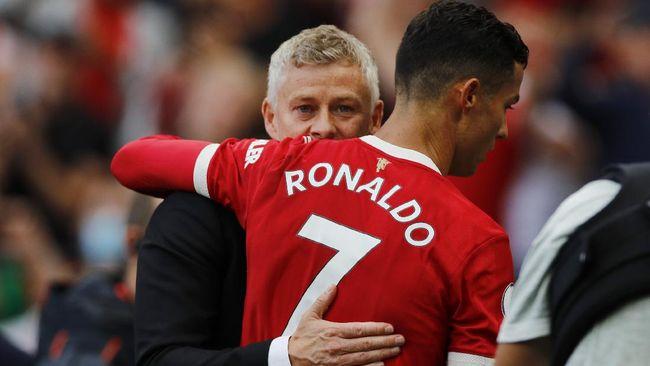Pelatih Man Utd Ole Gunnar Solskjaer dihadapkan pada situasi yang tak mudah dalam laga lawan West Ham di Piala Liga.