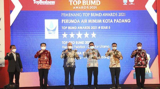 Wali Kota Padang Hendri Septa kembali menerima penghargaan bergengsi selaku orang nomor satu di Kota Padang.