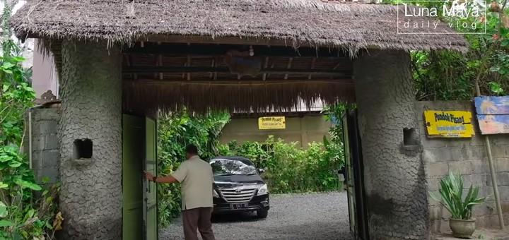 Rumah Ibunda Luna Maya di Bali