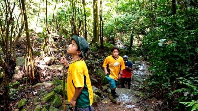 Wisata Trekking Ramah Anak