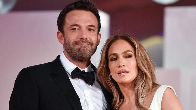 Jennifer Lopez dan Ben Affleck tidak saling follow akun media sosial Instagram meski menjalin hubungan asmara.
