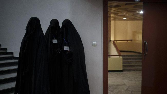 Nyaris tak ada secercah harapan bagi masa depan perempuan di Afghanistan di bawah rezim Taliban. Janji Taliban tinggal lah janji.