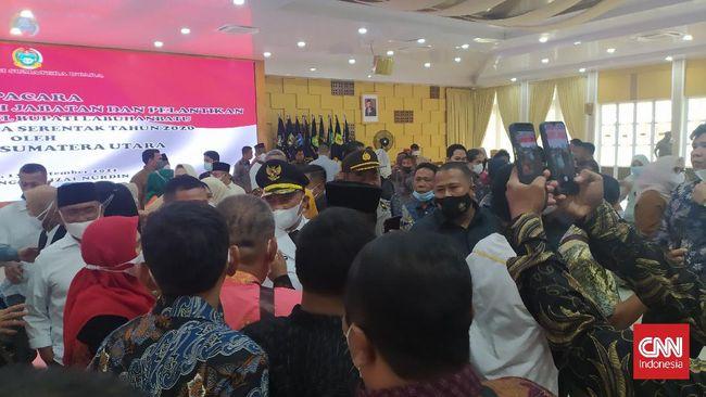 Pelantikan Bupati-Wakil Bupati Labuhanbatu Erik Atrada Ritonga-Ellya Rosa Siregar di Rumdin Gubernur Sumut Edy Rahmayadi dipadati pendukung.