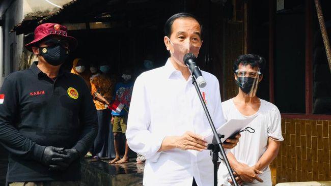Jokowi ingin Rusun Pasar Rumput memberi kemudahan bagi penghuni dan meringankan beban warga terdampak program normalisasi Sungai Ciliwung.