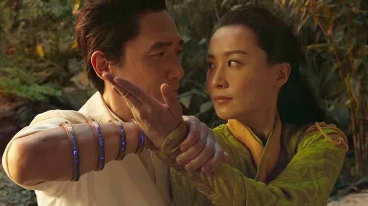 Tony Leung dan Fala Chen di Shang-Chi