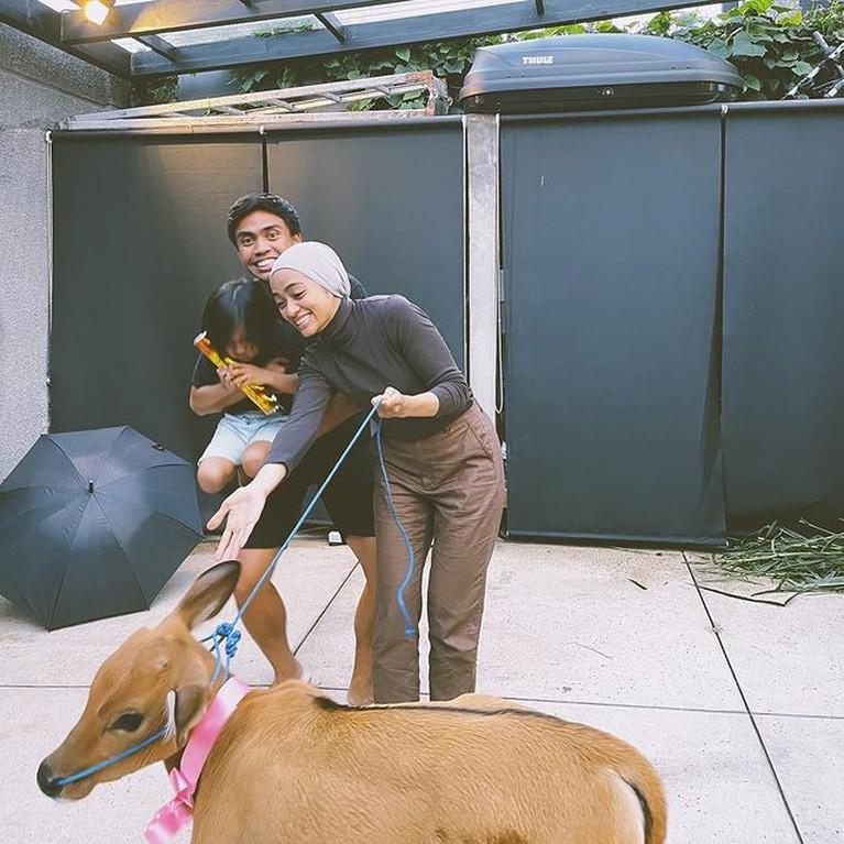 Ayudia Bing Slamet baru saja merayakan ulang tahun yang ke-31 pada (13/9) dan dapat kado yang tak biasa dari Suami. Yuk intip!