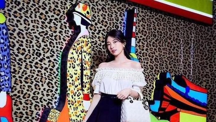 Intip Yuk Koleksi Tas Dior Favorit Bae Suzy! Harganya Ada yang Hampir Rp80 Jutaan